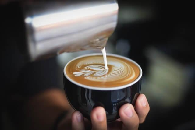 кофе с молоком: польза или вред
