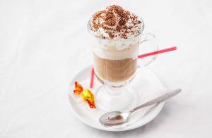 Кофе гляссе — изысканный французский десерт из кофе и мороженого