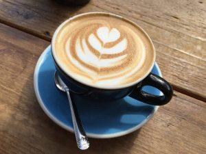 Как подавать и пить кофе флэт уайт
